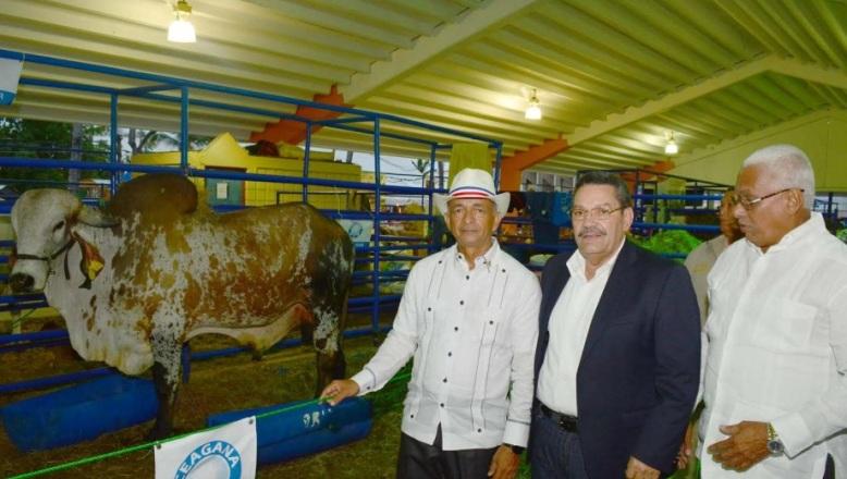 """CEA pone al servicio de productores ganaderos servicios de """"CEAGANA FIV"""""""