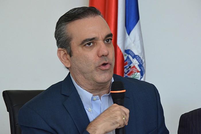 Abinader critica silencio Gobierno ante reproches Iglesia sobre la corrupción