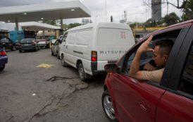 VENEZUELA: Falta de gasolina genera largas filas en Caracas