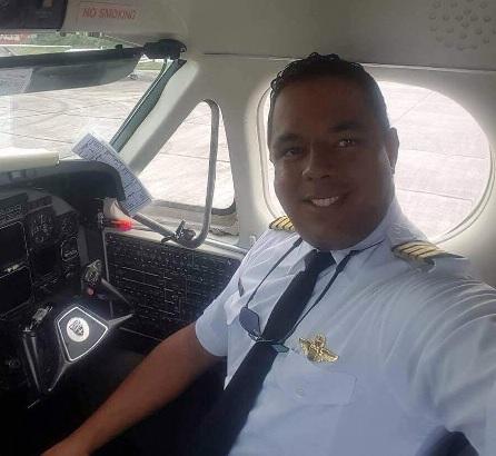 Avioneta fumigadora se precipita en Villa Tapia; Piloto muere en accidente