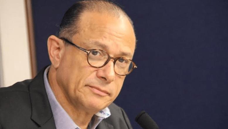 Embajador RD ante Unesco firma libro condolencias por muerte Preval