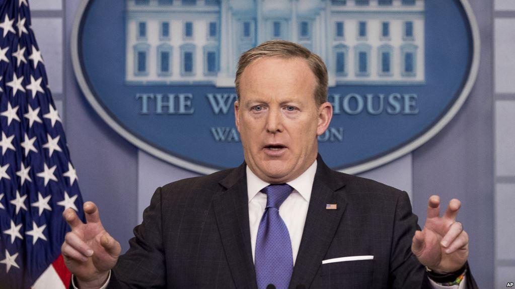 Dimite portavoz Casa Blanca, Sean Spicer
