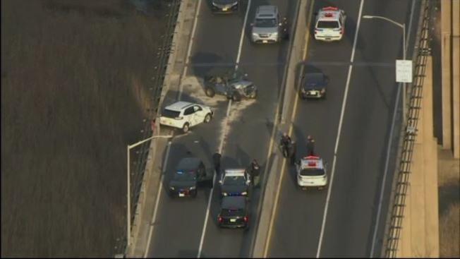 Ladrón de camioneta provoca caos vehicular en puente de Nueva Jersey