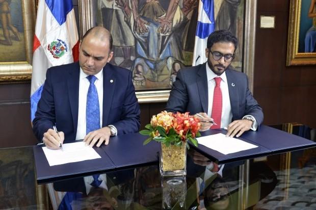 Aduanas de Dubai y RD firman acuerdo para optimizar recursos