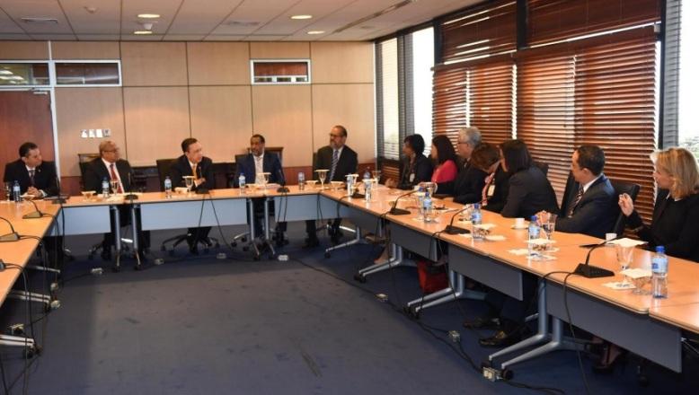 Gobernador del Banco Central recibe visita de nueva directiva ABANCORD
