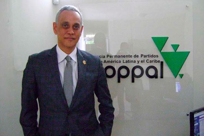"""Copppal dice Almagro expresa su """"abierta militancia"""" contra Venezuela"""