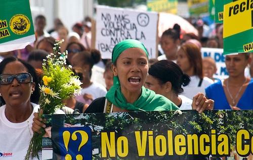 RD figura entre países que menos han legislado en favor de las mujeres