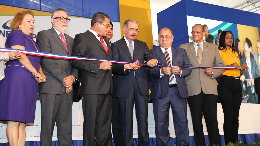 Presidente Medina inaugura nuevo edificio de aulas y talleres de INFOTEP