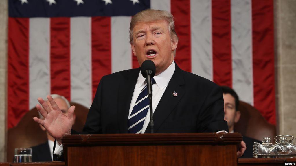 """Trump cambia tono de su discurso; ahora habla de """"reforma migratoria"""""""