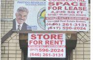 Cierran local del PRD en el Alto Manhattan por falta de pago