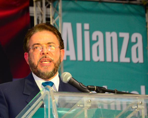 """Guillermo Moreno: """"Miembros Comité Político PLD deben ser investigados"""""""