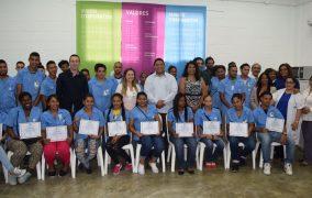 Ministerio de Trabajo gradúa a 200 jóvenes del PASNE