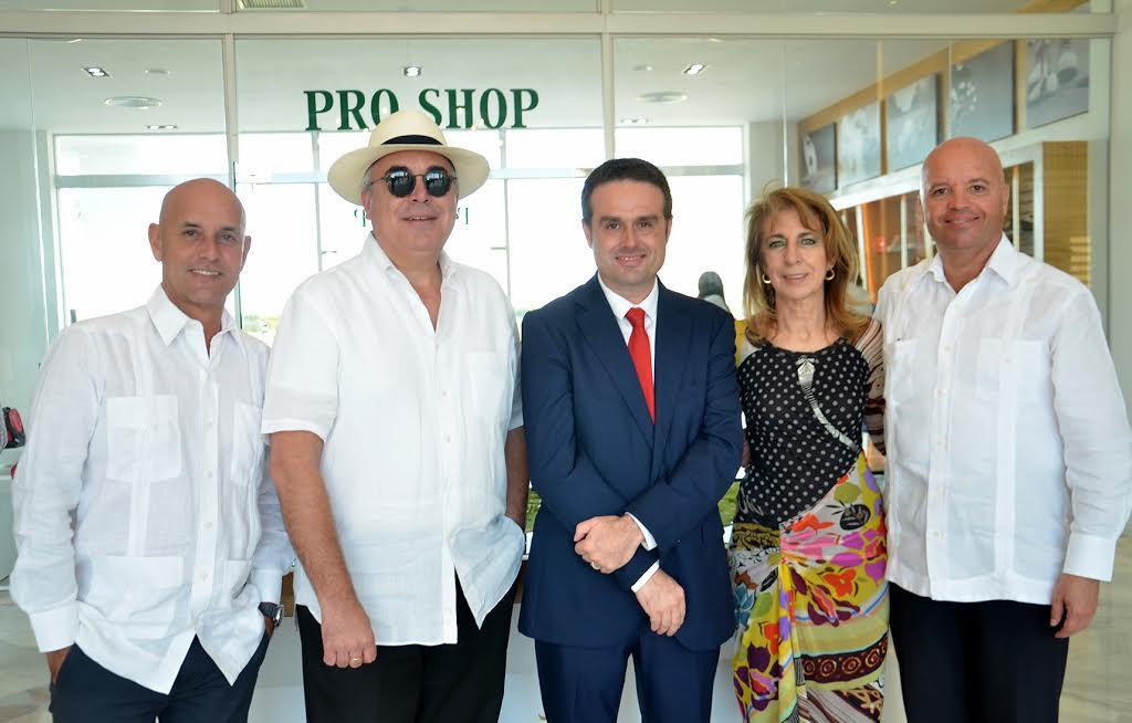 Playa Nueva Romana apertura Casa Club