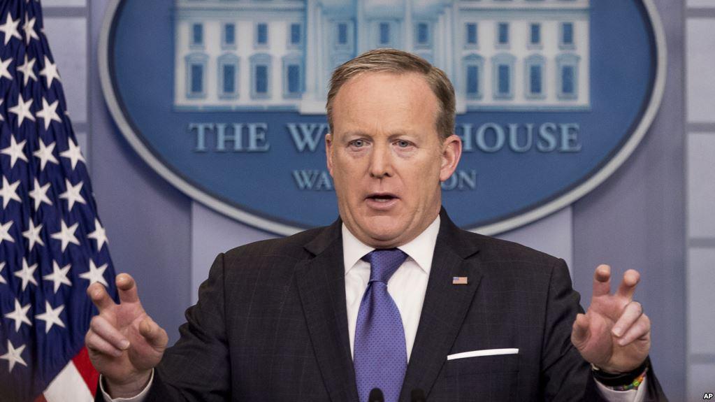 Administración Trump insiste en acusación de espionaje pese a desmentido de director del FBI