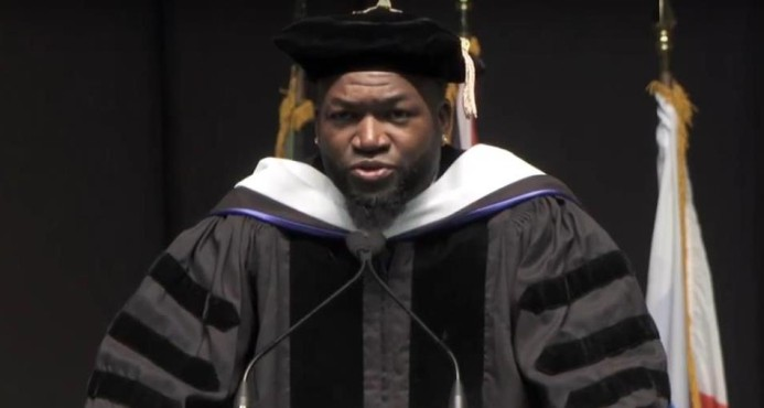 "PROVIDENCE: David Ortiz recibe su primer doctorado ""honoris causa"""