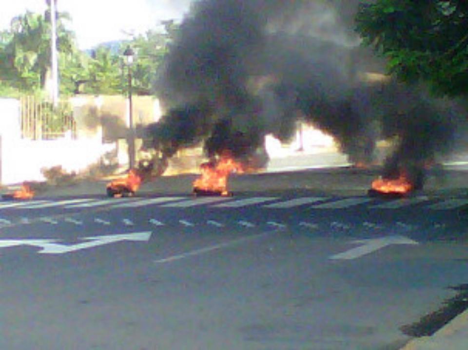 SALCEDO: Bombas, tiros y quema de gomas previo a huelga convocó Falpo para hoy