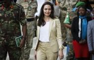 Angelina Jolie apoya niñas refugiadas en Kenia por violencia sexual