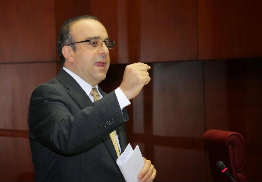 Presidente de la Comisión de Justicia Senadoenfrenta medidas juez Ortega