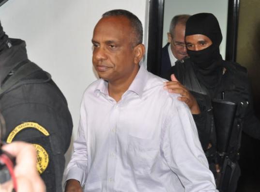 Procuraduría interroga a coronel Piccini sobre sobornos compra Super Tucano