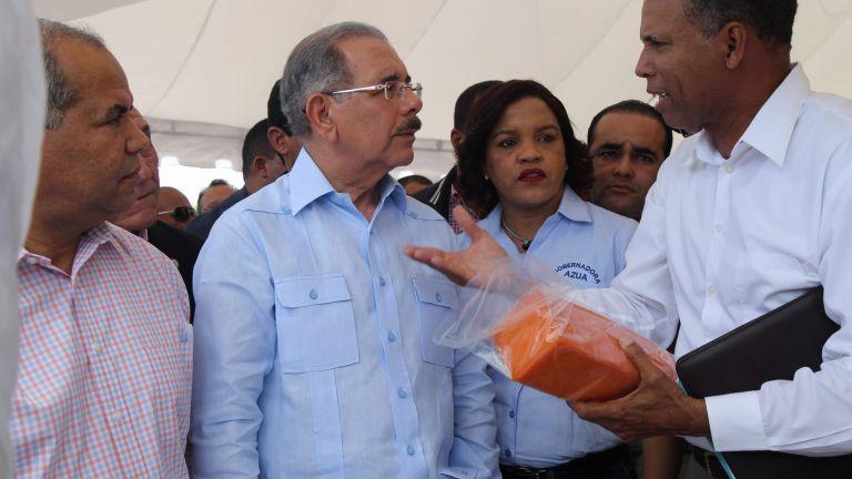 AZUA: Medina autoriza siete millones en préstamos para ganaderos