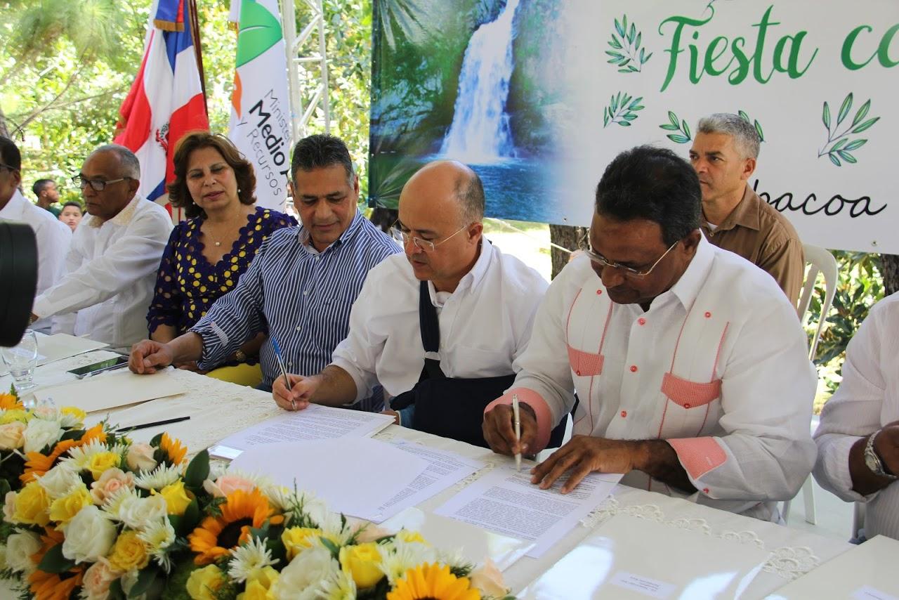SANTIAGO: Domínguez Brito anuncia habilitación de parques