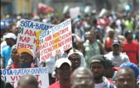 HAITI: Cientos obreros textiles exigen en las calles de capital aumentos de salarios