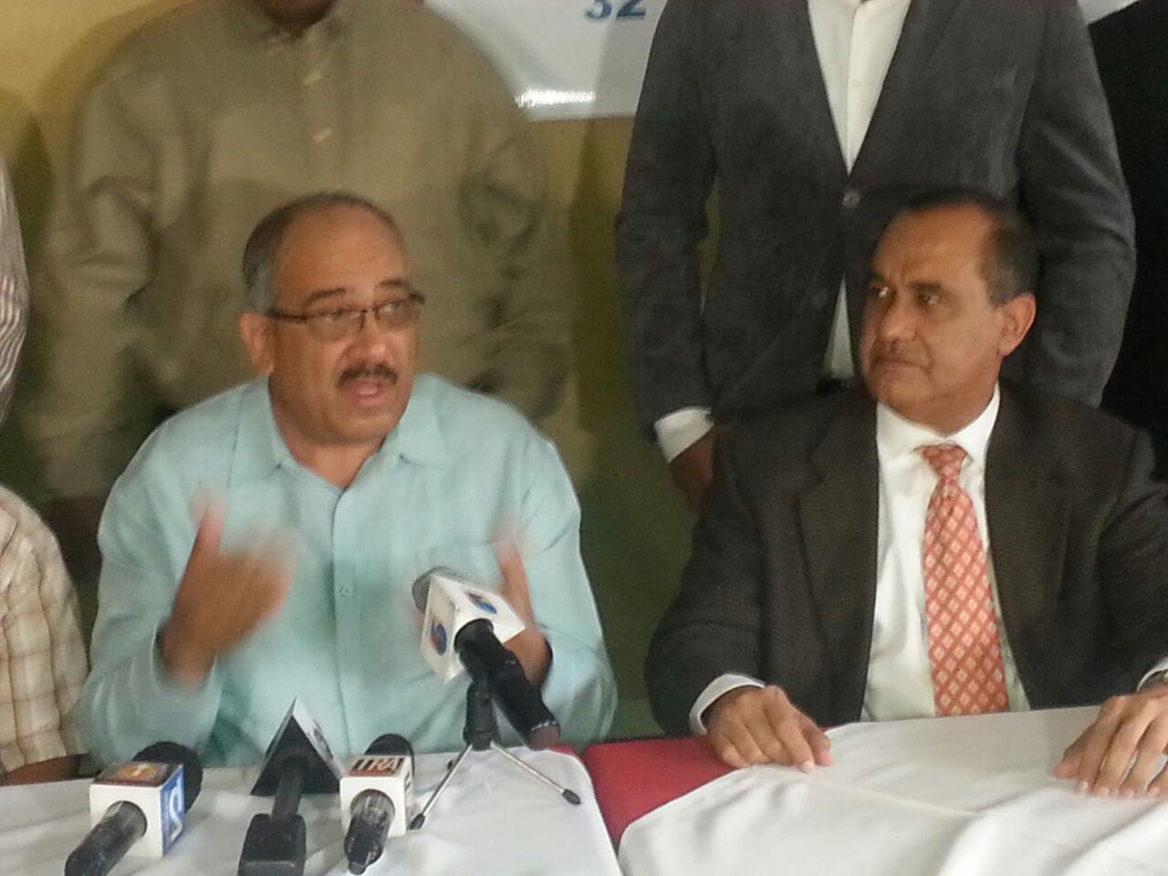 """Dirigente PRM mantiene su denuncia sobre una """"mafia"""" en permisos de importación"""