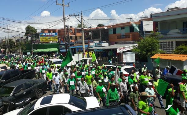 """""""Marcha Verde"""" reclama investiguen la financiación de campañas del Presidente; se movilizó en la capital y Navarrete"""