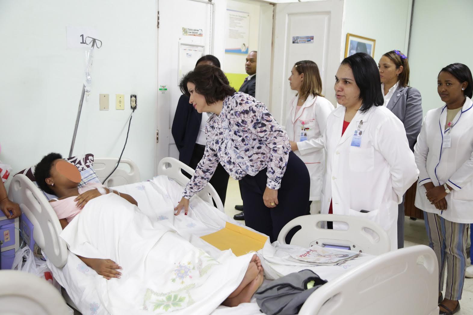 """Vicepresidenta Cedeño dice es """"triste  y lamentable"""" muerte de 14 infantes"""