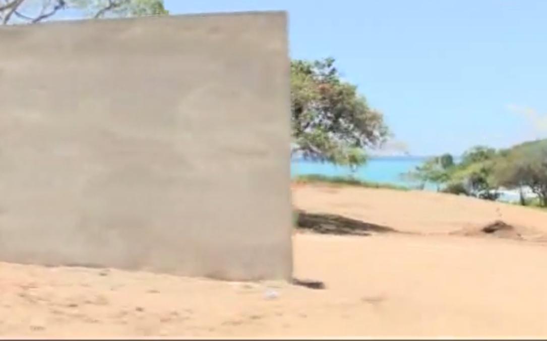 BARAHONA: No es ilegal construcción de pared enplaya, aclara Ministro MA