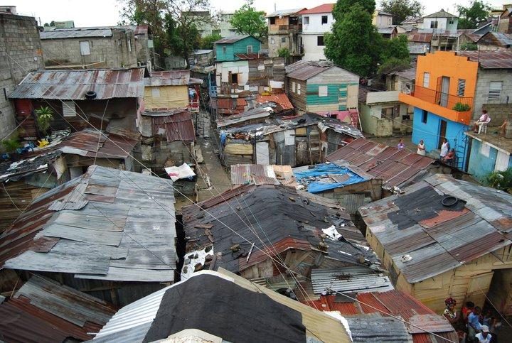 Tasa pobreza multidimensional de R.D. bajó 11,8 porciento entre 2012 y 2016