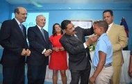 Entregan lentes a estudiantes de Escuela Panamá