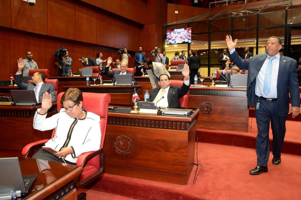 Senado modifica ley sobre mercado de valores en República Dominicana