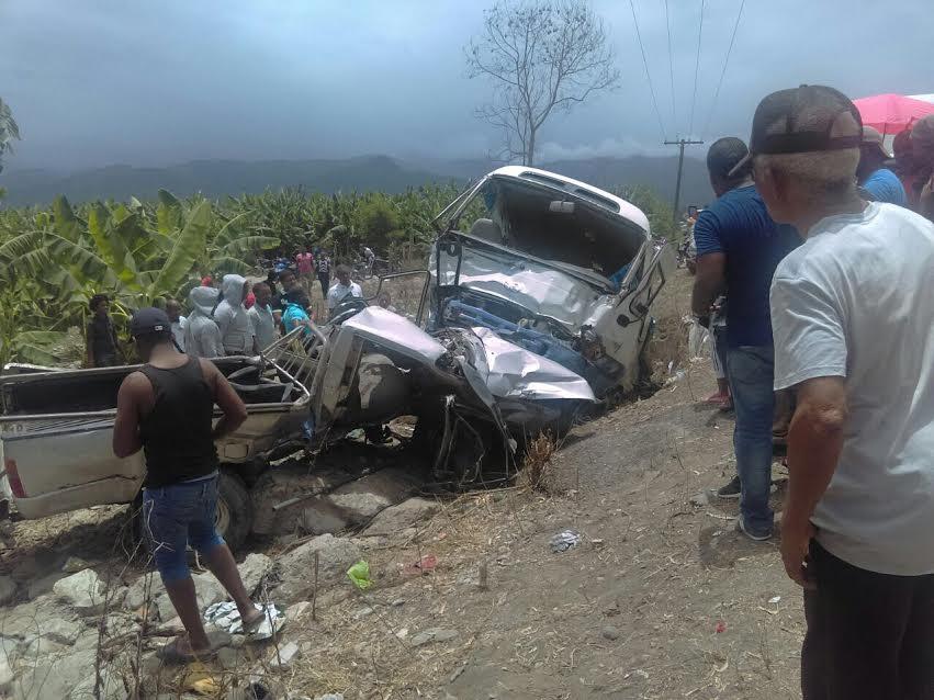 AZUA: Accidente de tránsito deja una persona muerta y otras siete lesionadas