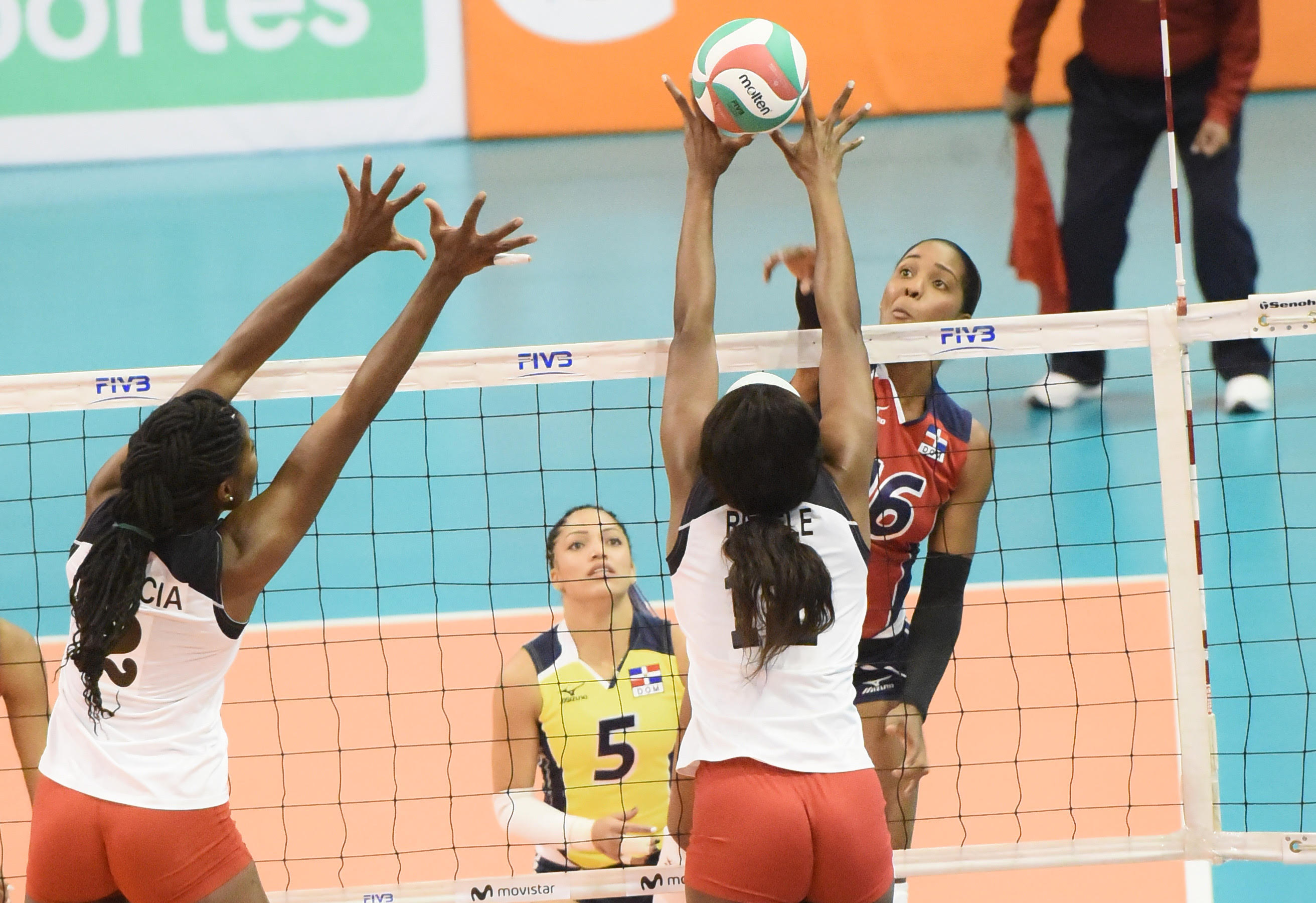 Dominicana derrota 3-0 a Trinidad en Panam de Voleibol
