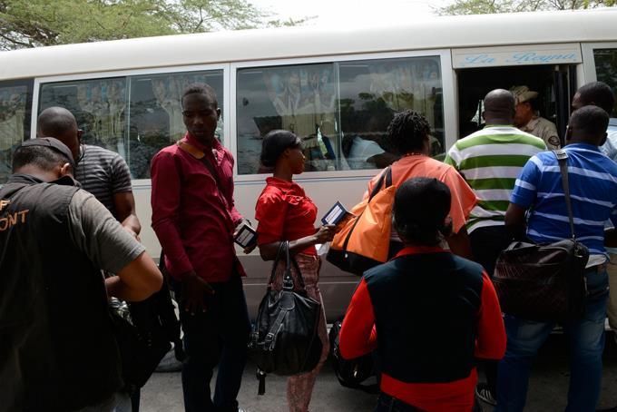 Migración informa más de 300 haitianos regresaron voluntariamente a su país