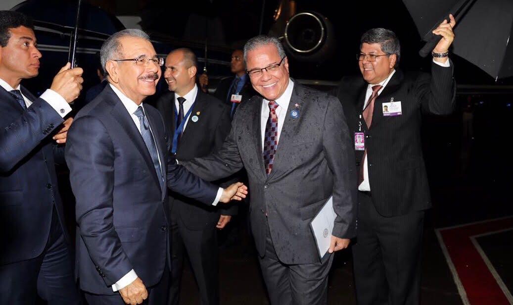 El Presidente Danilo Medina llegó a Costa Rica; participará en cumbre del SICA