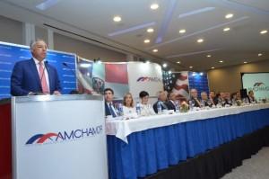 Ministro Hacienda dice riesgo economía es la gran evasión fiscal, no la deuda