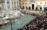 Multas por comer o bañarse en fuentes de Roma