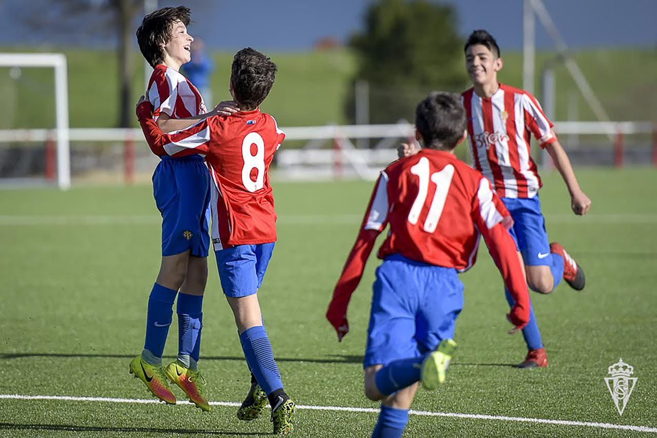 Campamento del Real Sporting por primera vez en el país