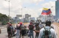 VENEZUELA: Un muerto y más de 40 heridos deja el día 80 de protestas