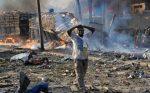 Suman más de 300 los muertos por camión bomba en Somalia