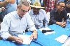 Abinader recomienda dominicanizar el trabajo agrícola en la frontera