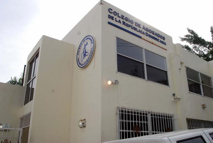 Colegio Abogados somete 60 de sus miembros a Tribunal Disciplinario