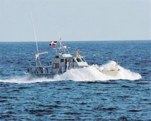 Armada RD y guardacostas buscan lancha iba hacia PR con 20 personas