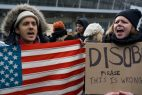 Juez suspende prohibición  de ingreso a refugiados impulsada por D. Trump