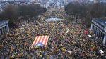 BELGICA: Decenas de miles personas marchan a favor de la independencia