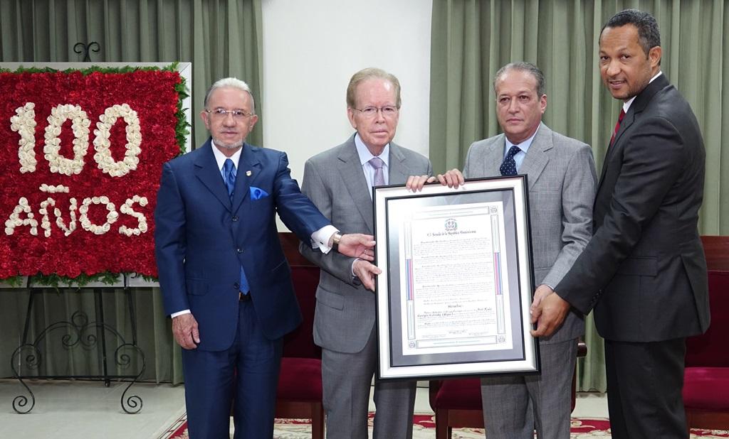 Senado reconoce a Pepín Corripio