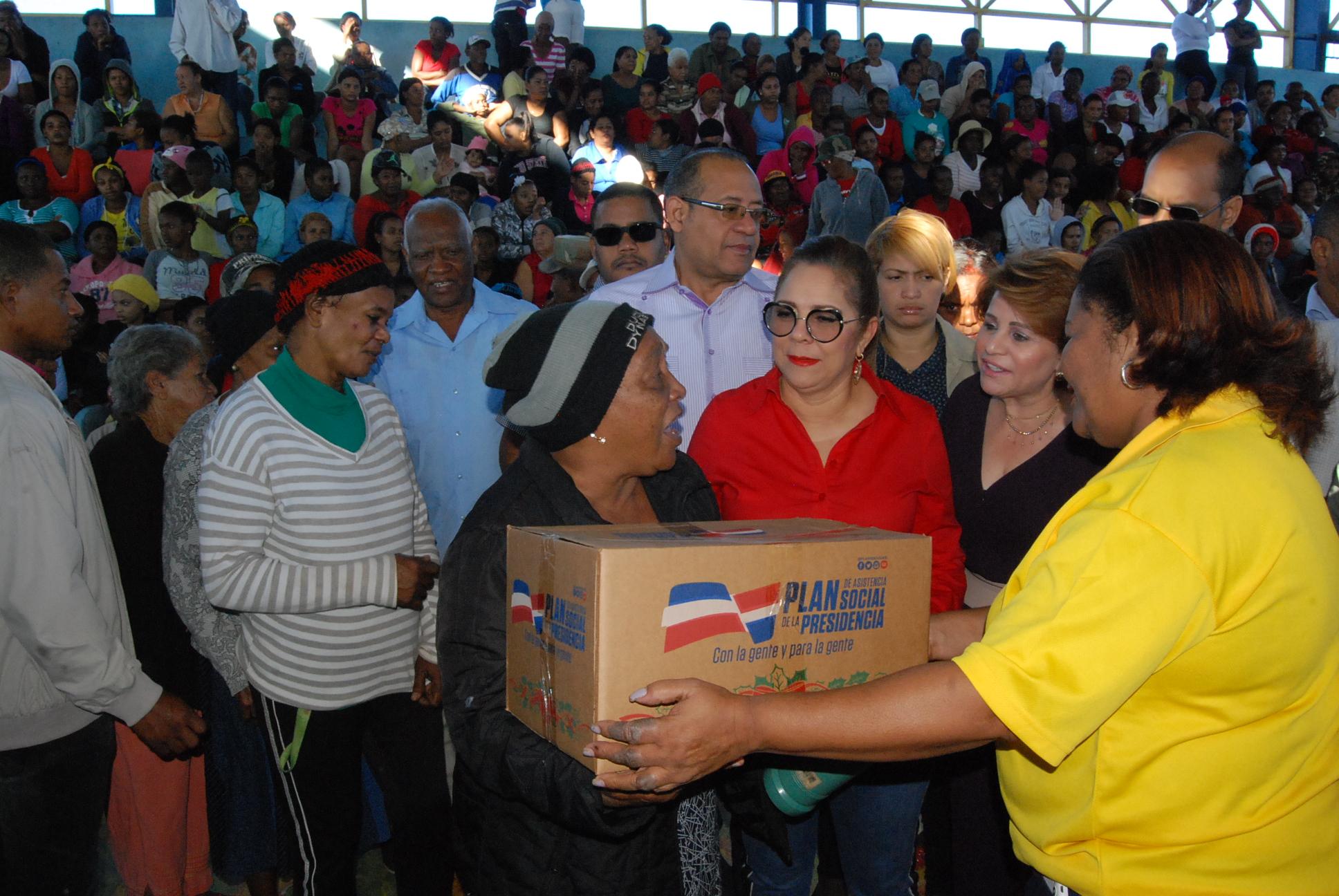 Gobierno inicia entrega un millón de cajas valoradas en RD$1,200 millones