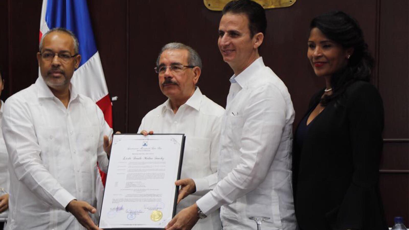 Presidente Medina promete terminar Teleférico y Línea 2B del Metro en 2018